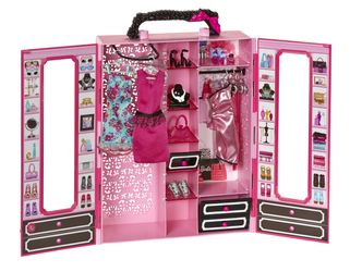Barbie Closet and Fashions lekesett