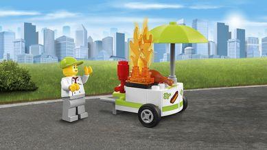 LEGO® City Brannstasjon med tøff brannbil (158-60110)