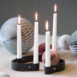by Wirth Belt 4-Candles Lysestake, Sort