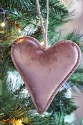 Riviera Maison XMAS Ornament Velour Hjerte Rosa_Medium