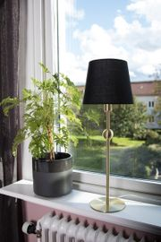 Globen Lighting Bordlampe Astrid Messing_Svart skjerm