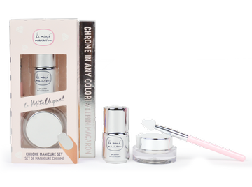 Le Mini Macaron Le Metallique Chrome Manicure