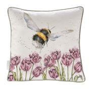 Wrendale Pute Flight-of-the-bumblebee 40cm
