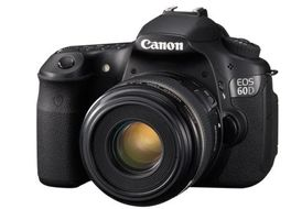 EOS 60D SLR med 18-55mm IS, 18MP, Full HD video, Vridbar LCD, Nordisk